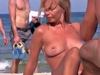 Best Amateur Public Outdoor Sex Clip